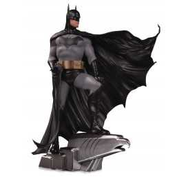 DC Comics - DC Designer Series Batman by Alex Ross Deluxe DC Collectibles Figure