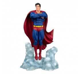 DC Comics - DC Comic Gallery Superman Ascendant Diamond Select figure